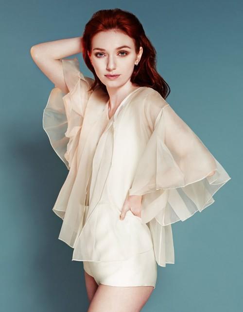 Eleanor Tomlinson Pictures