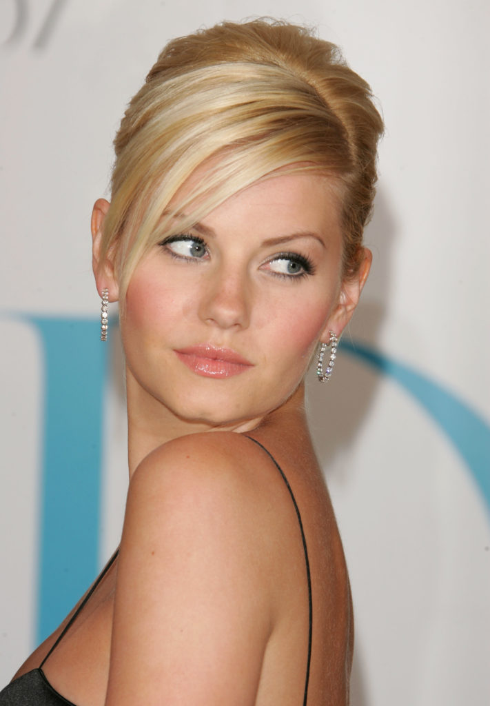 Elisha Cuthbert Sizzling Pictures