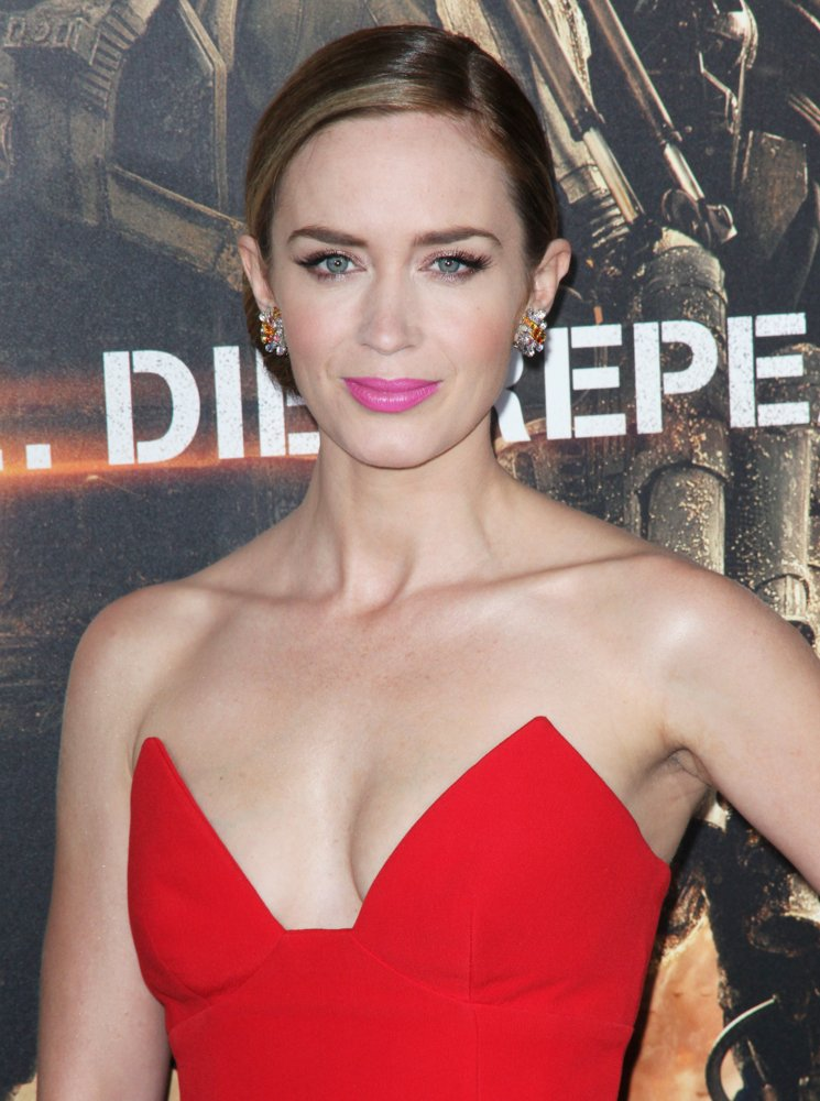 Emily Blunt Pictures At Event