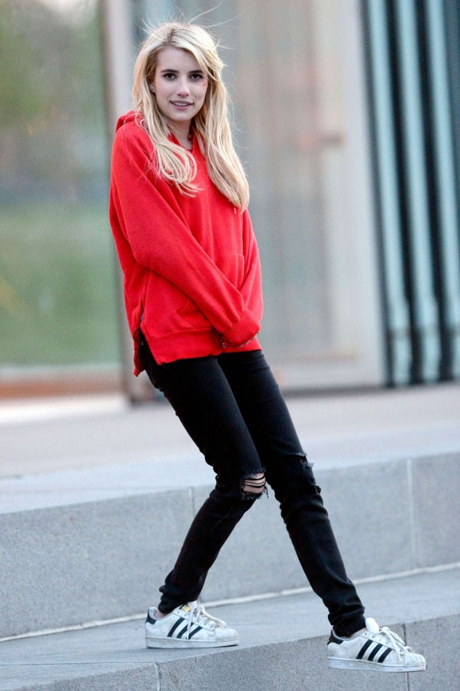 Emma Roberts Pics In Jeans Top