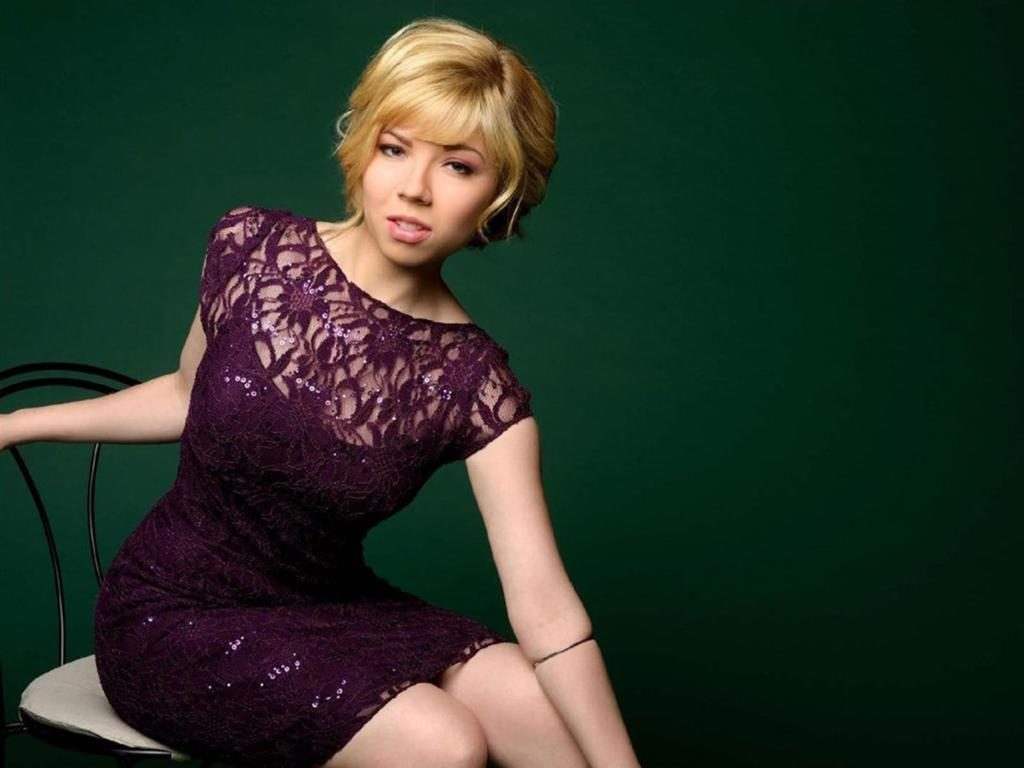 Gorgeous Jennette McCurdy Photos