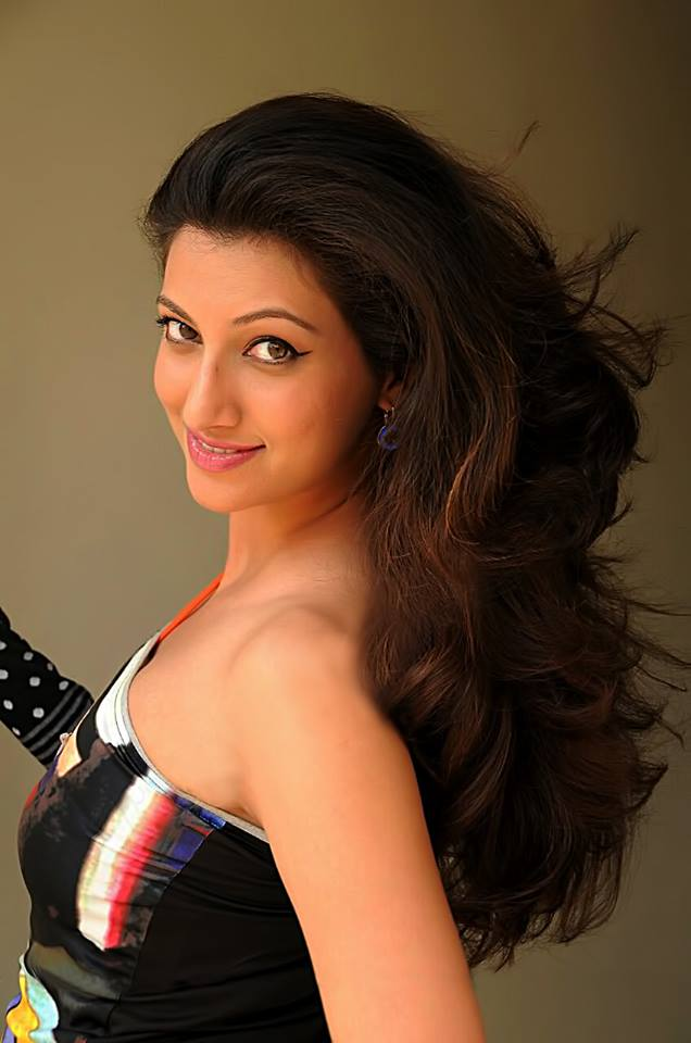 Hamsa Nandini Latest Hair Style Images