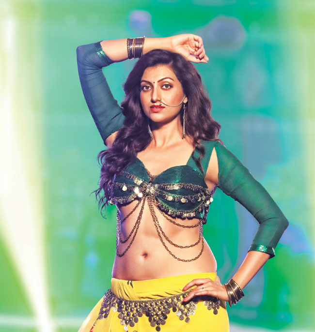 Hamsa Nandini Spicy Navel Wallpapers