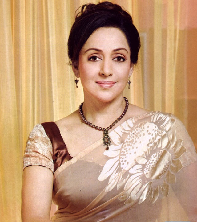 Hema Malini Cute Pics In Saree