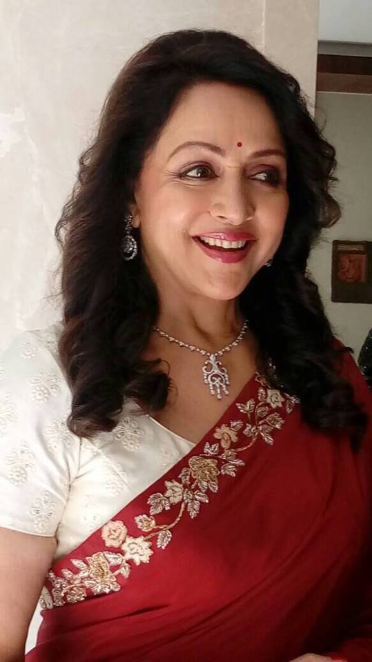 Hema Malini Cute Smile Images