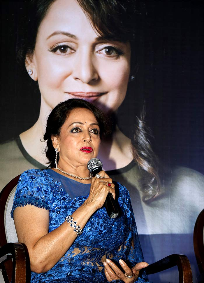 Hema Malini HD Picture In Blue Clothes