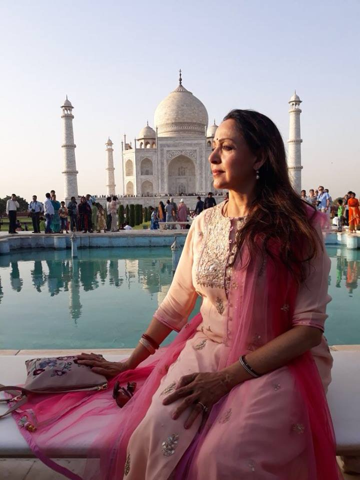 Hema Malini New Pics At Taj Mahal