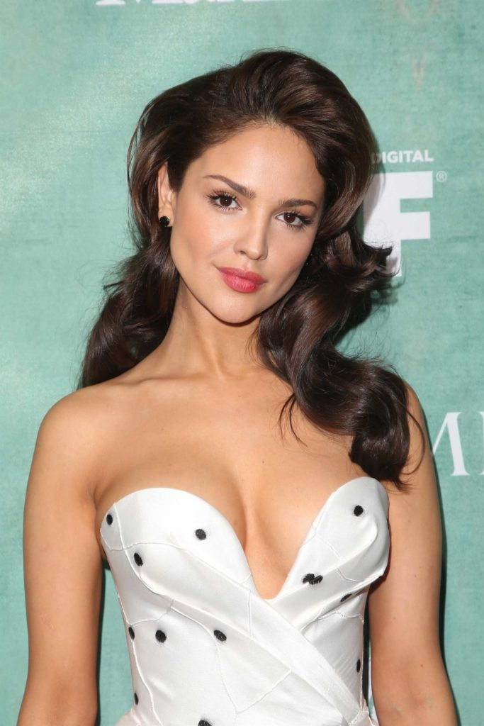 Hollywood Actress Eiza González Pics