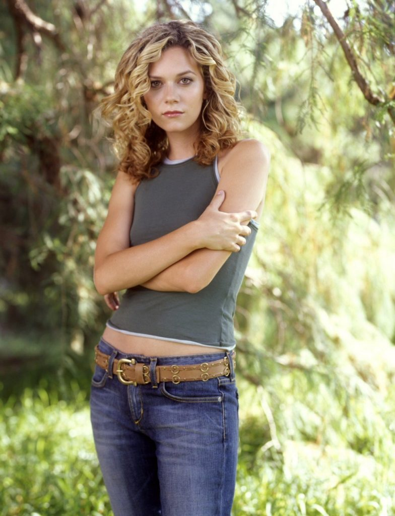 Hollywood Actress Hilarie Burton Photos