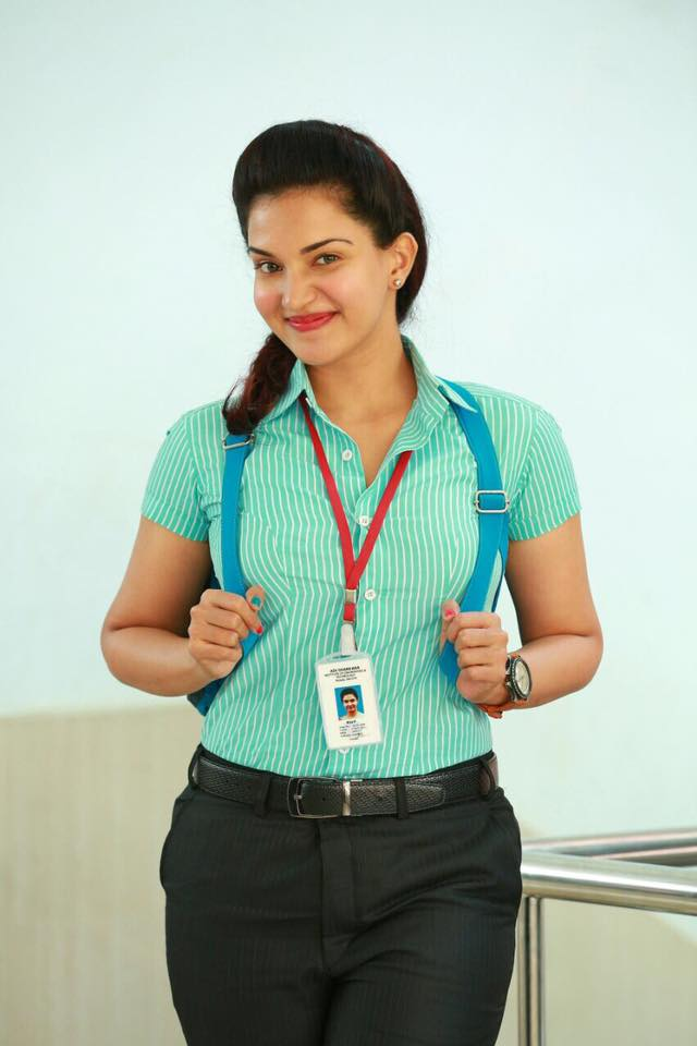 Honey Rose Hot Images Download