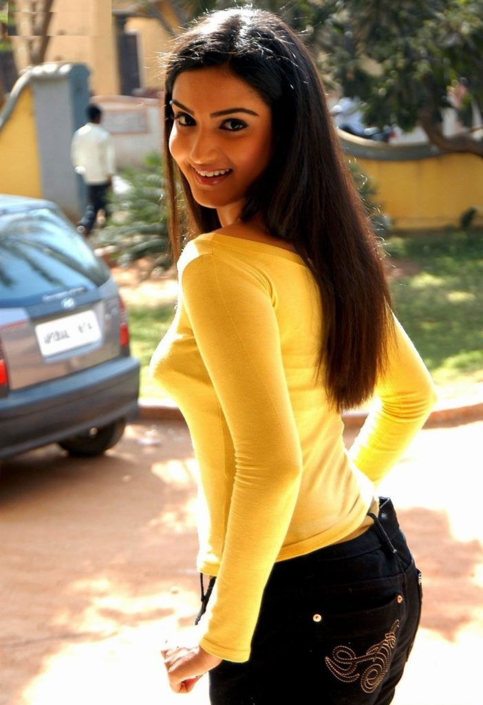 Honey Rose Hot Images In Yellow Clothes