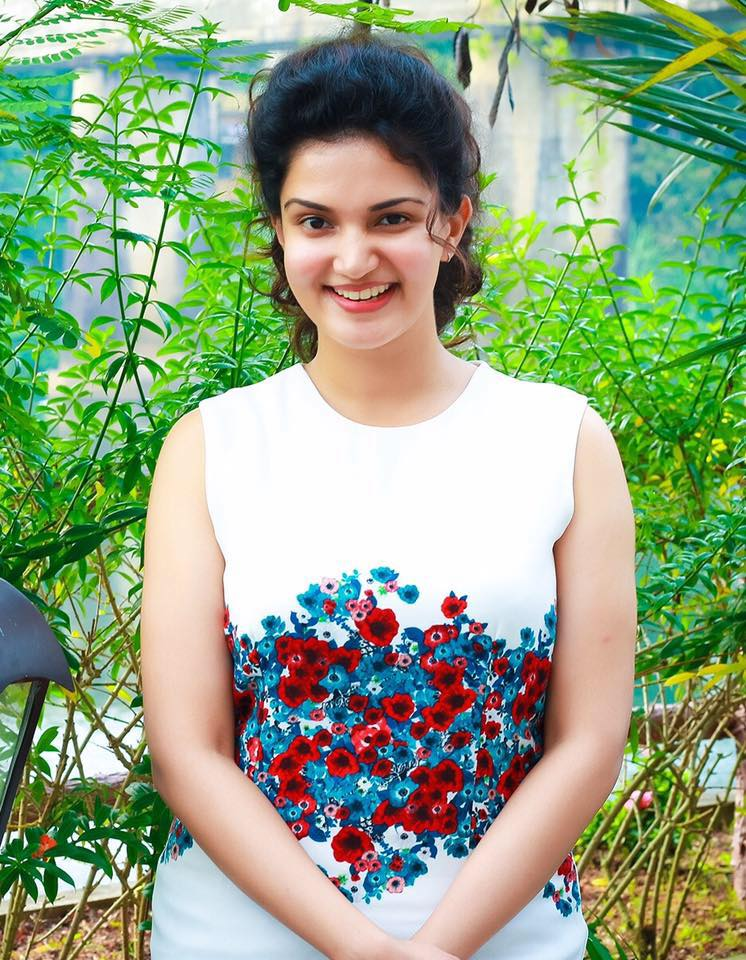 Honey Rose Hot & Sexy Pics