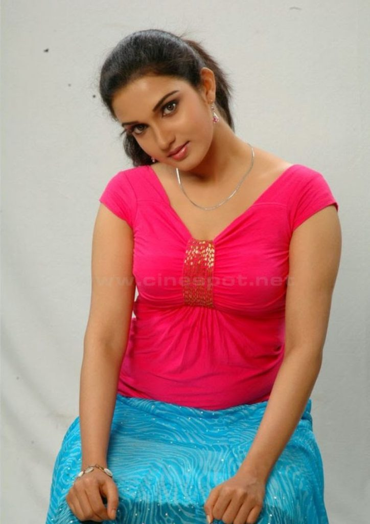 Honey Rose Sexy Pictures Gallery