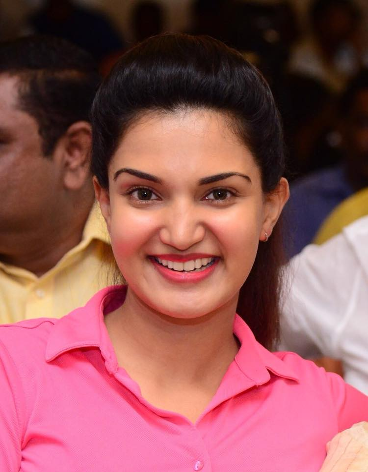 Honey Rose Sweet Wallpapers