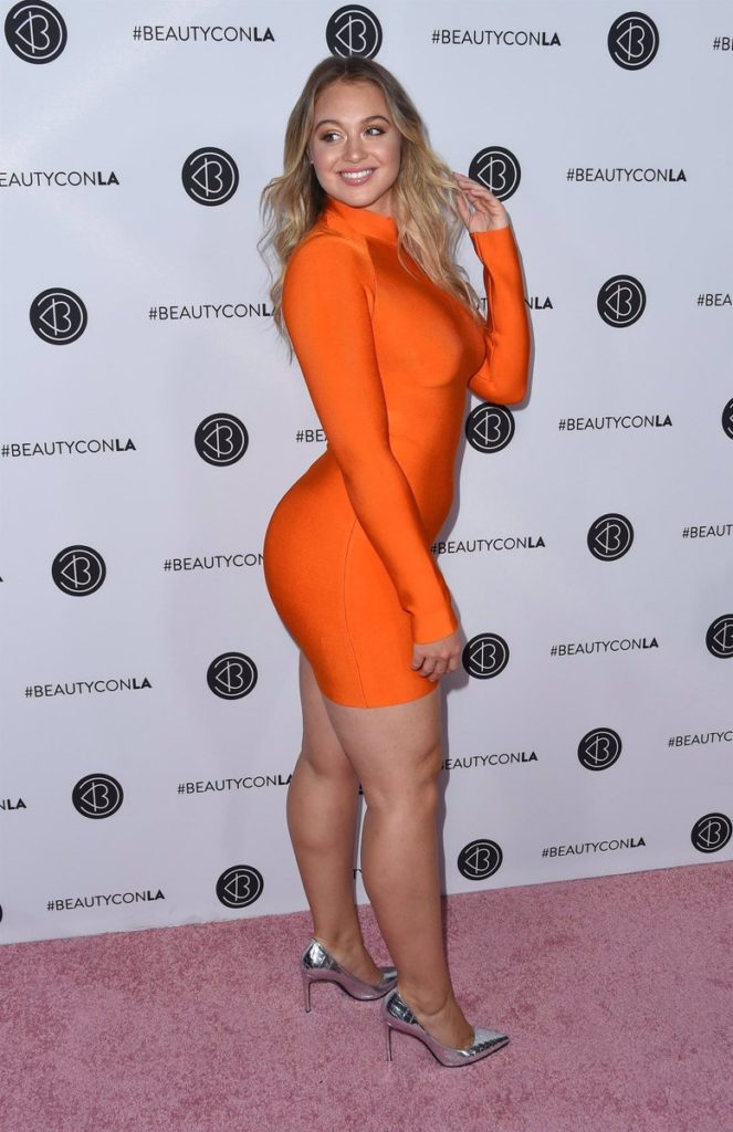 Iskra Lawrence Images At Event