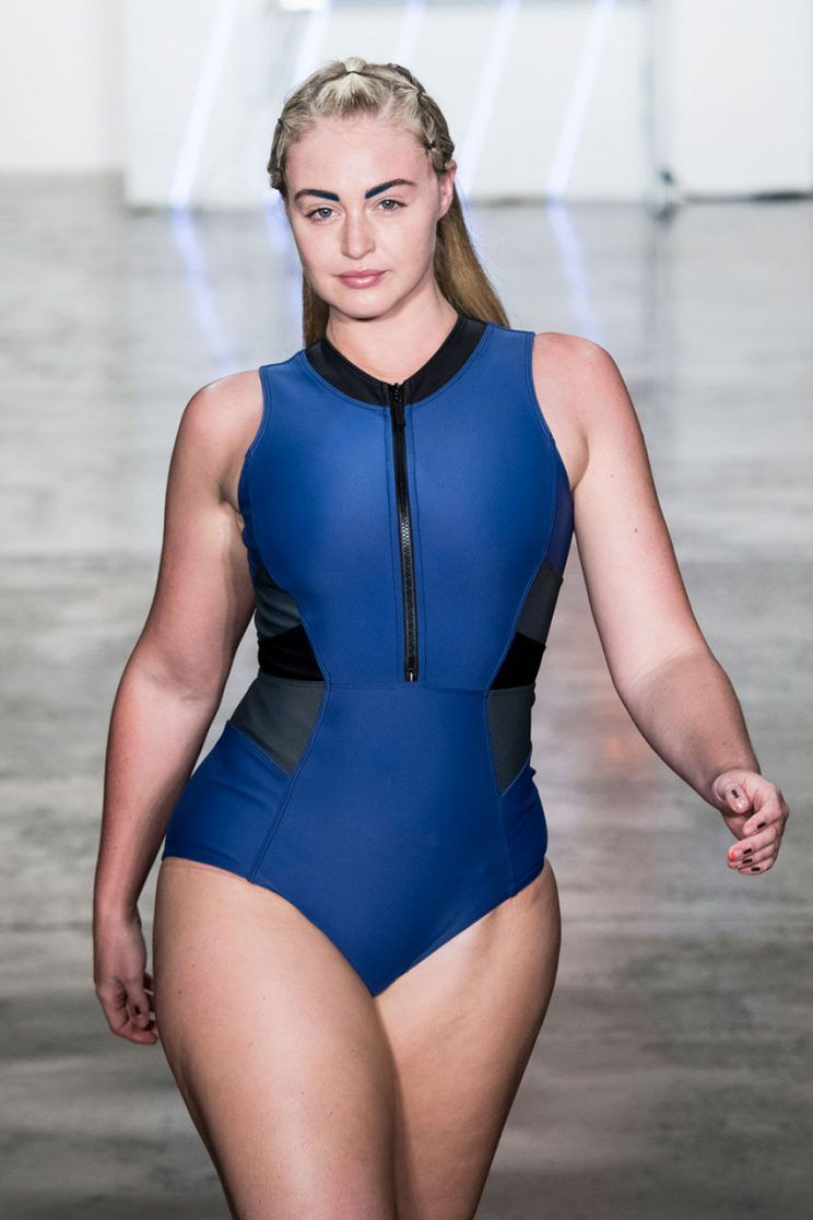 Iskra Lawrence Hot Bikini Wallpapers Topless Images Gallery