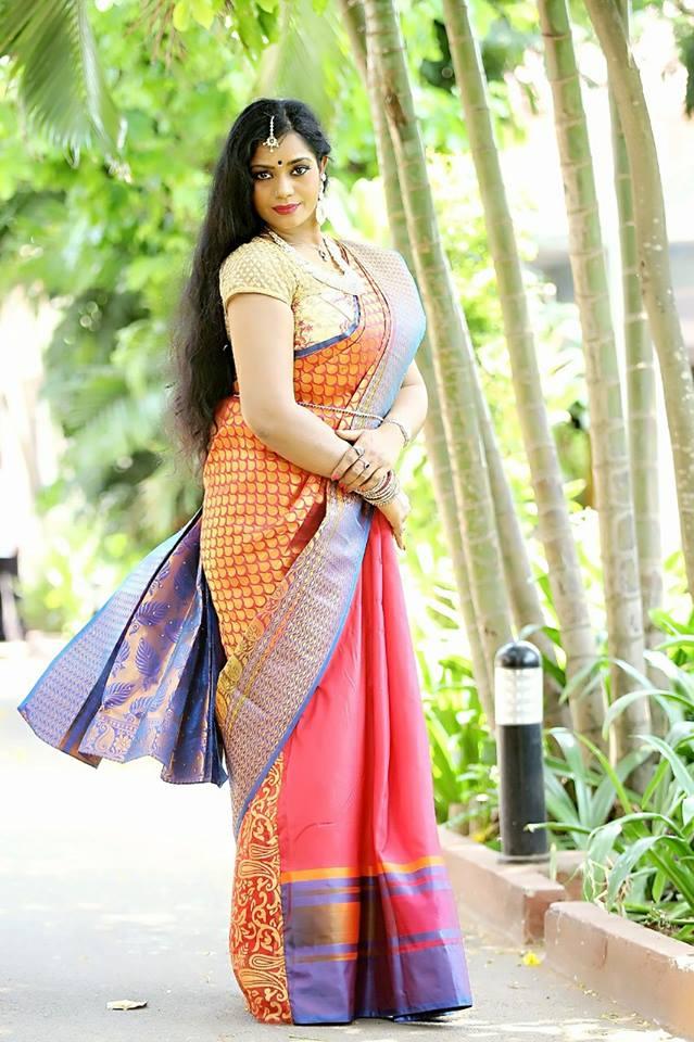 Jayavani Hot Image In Garden