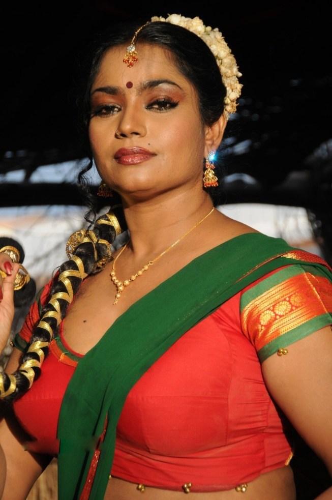 Jayavani New Hair Style Pics