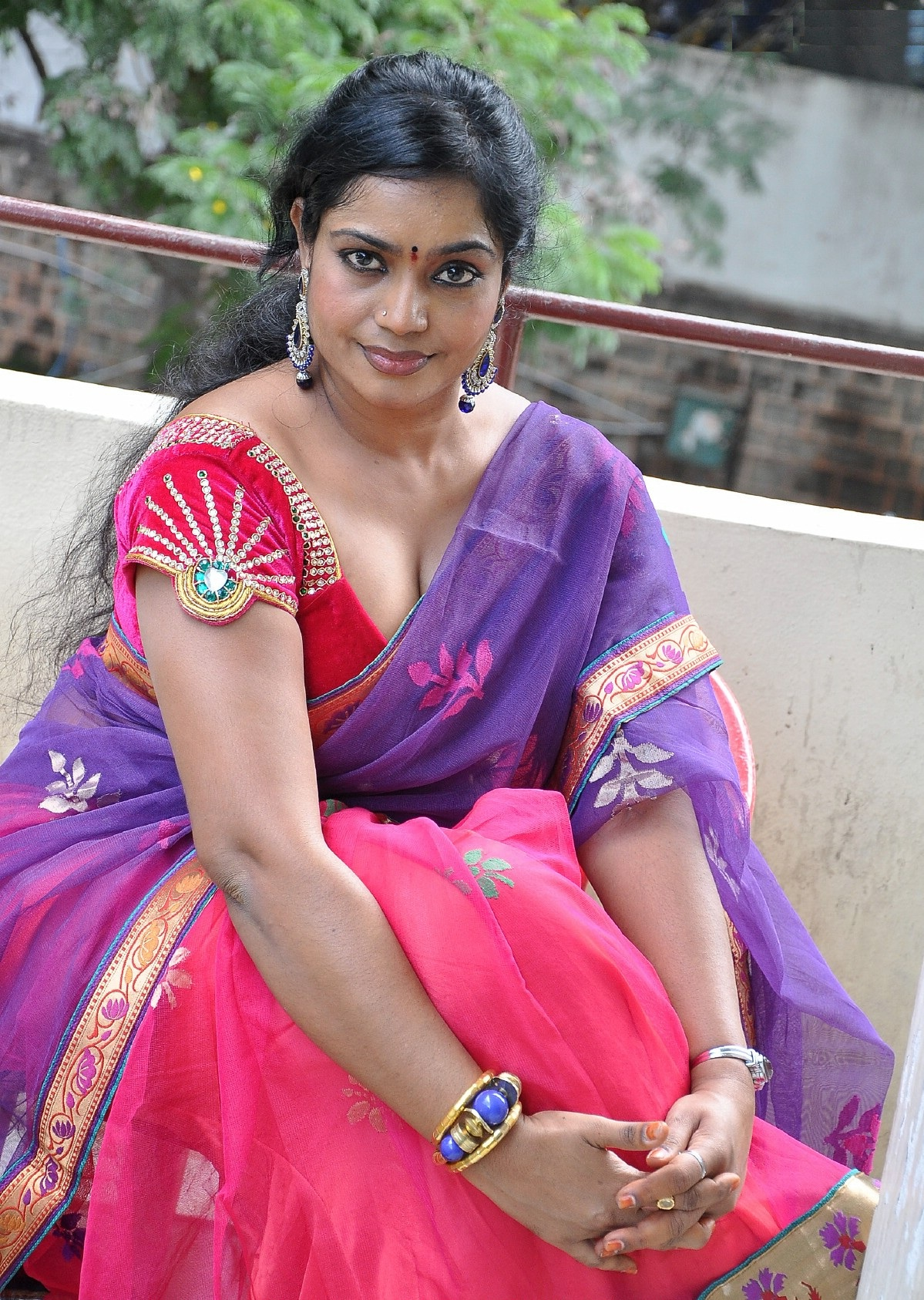 Kasthuri Hot Images In Bikini Photoshoot Full Hd Pictures