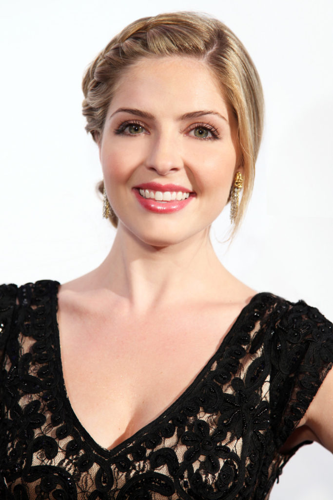 Jen Lilley Charming Wallpapers