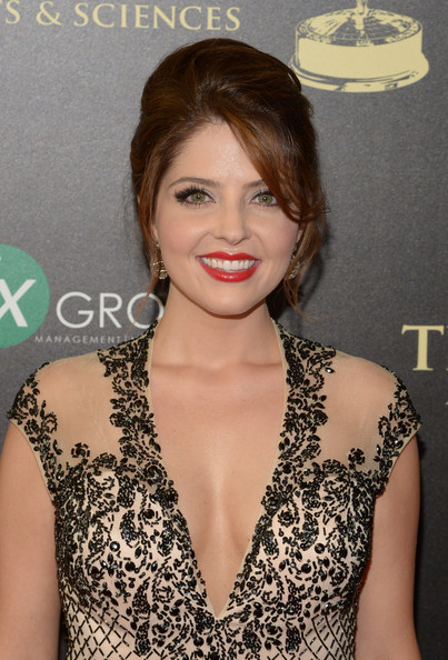 Jen Lilley Lovely Pictures