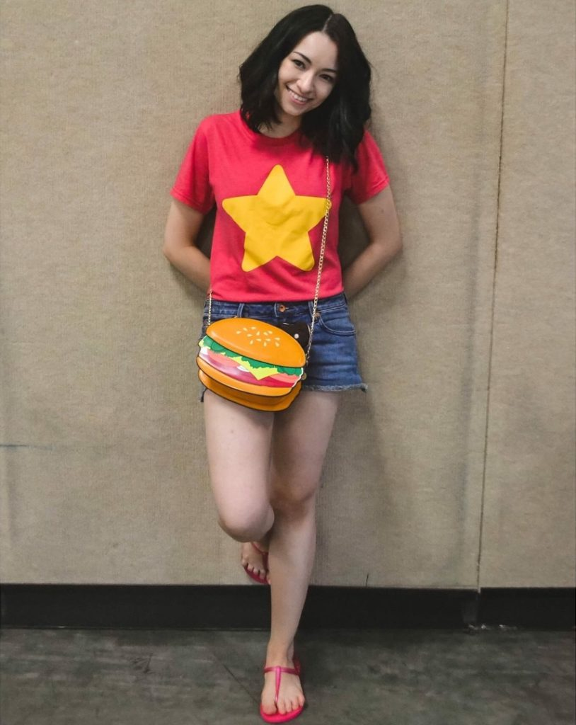 Jodelle Ferland Beautiful Images In Shorts