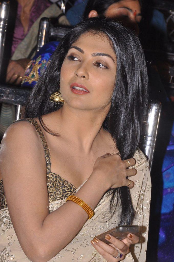 Kamalinee Mukherjee New Pics