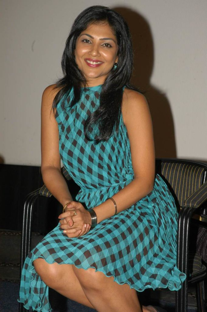 Kamalinee Mukherjee Wallpapers