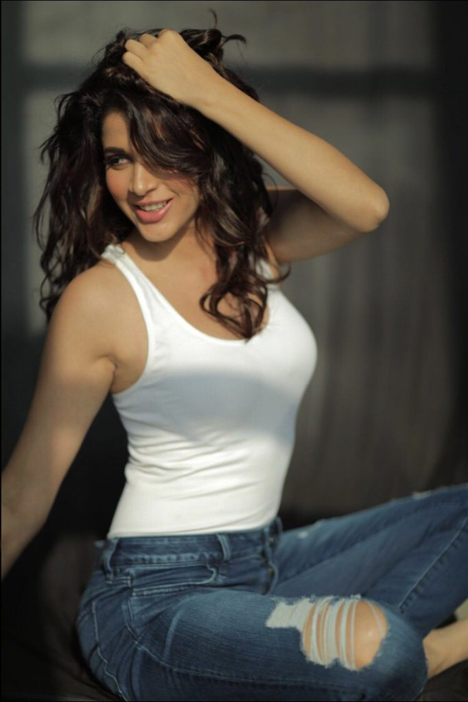 Lavanya Tripathi Hot & Sexy Pics In Jeans Top