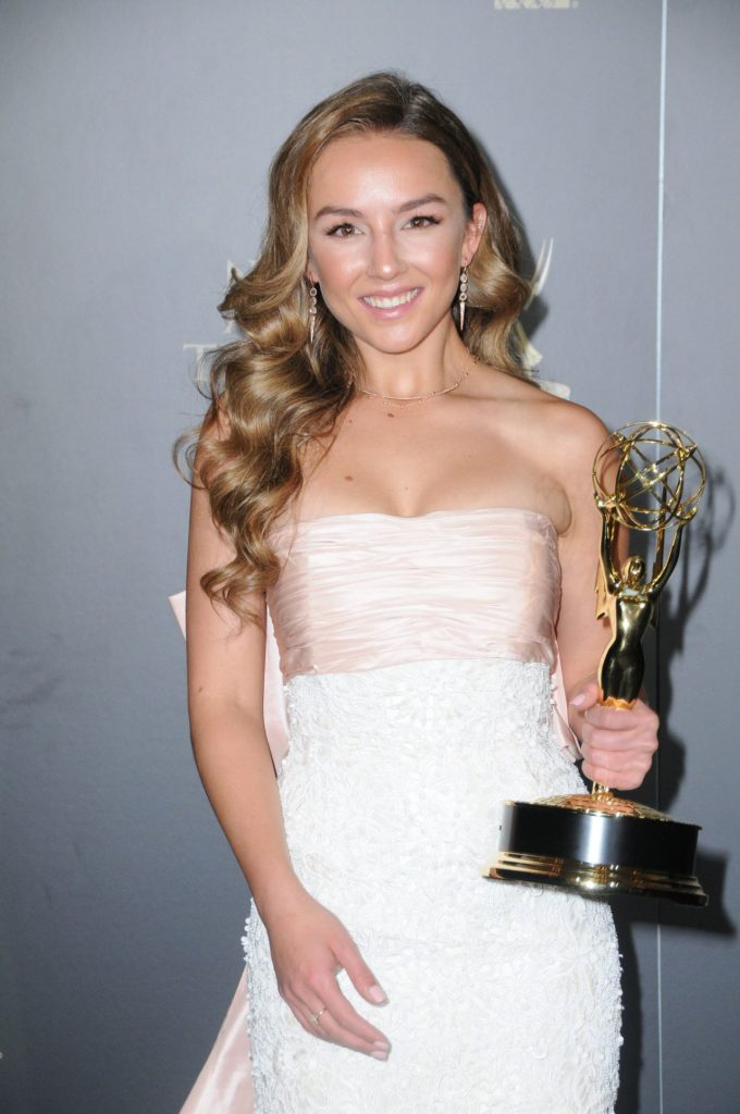 Lexi Ainsworth Attractive Wallpapers