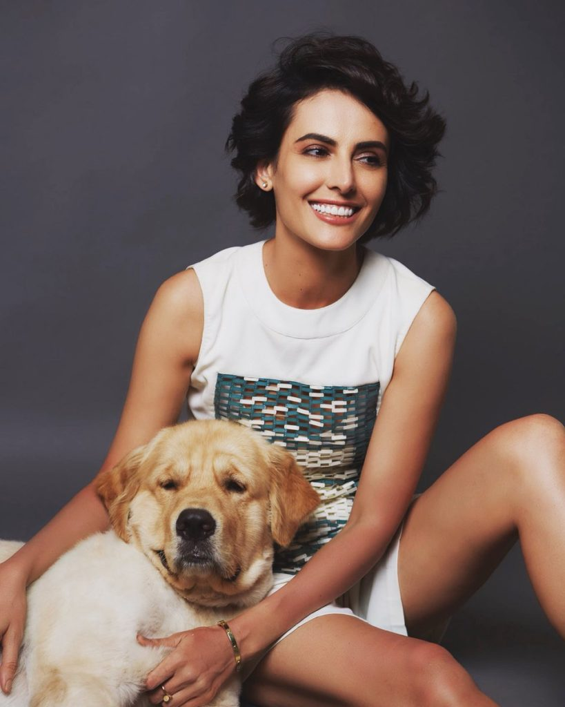 Mandana Karimi Hot Pics With Dog