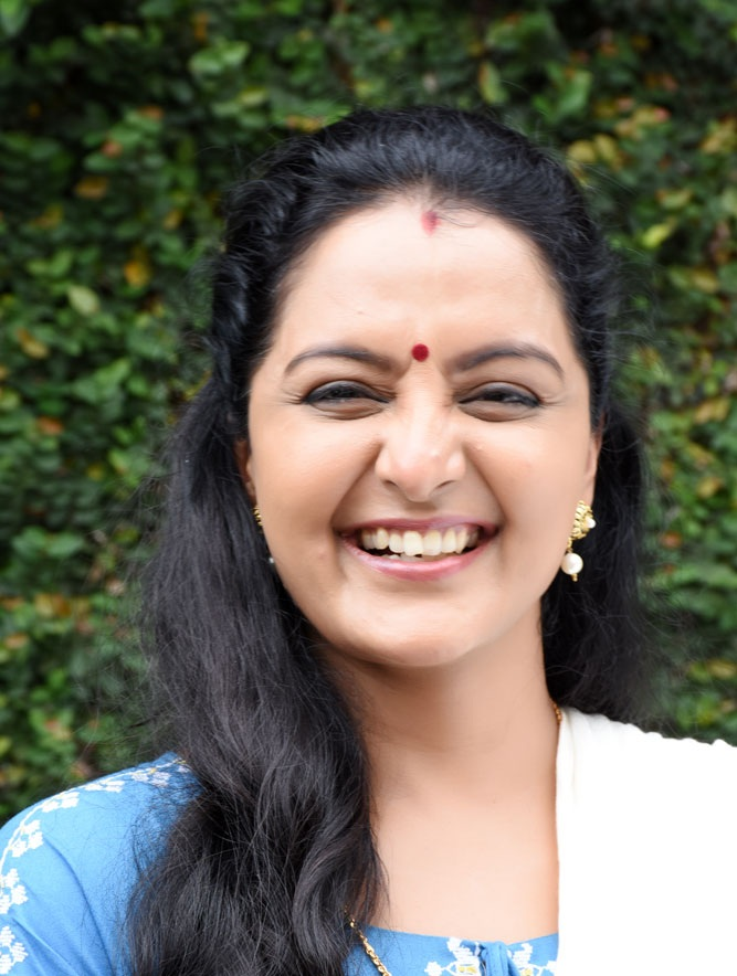Manju Warrier Cutes Smiling Images