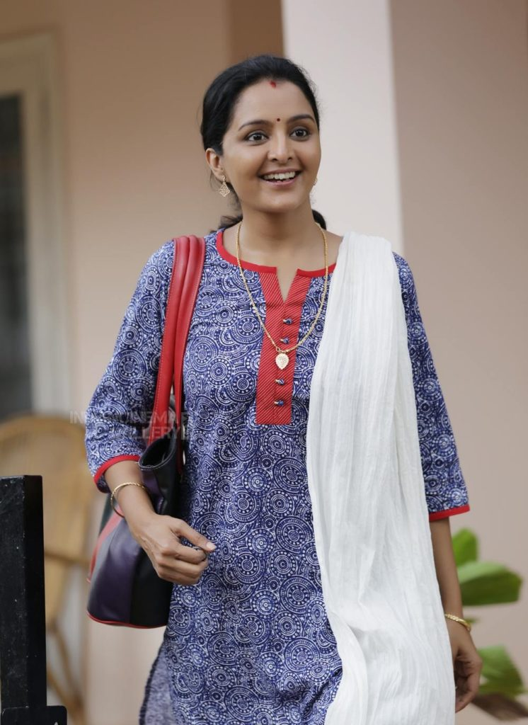 Manju Warrier HD Wallpapers Download