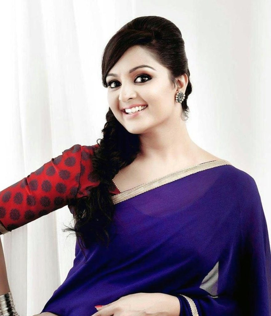 Manju Warrier New Pics In Saree