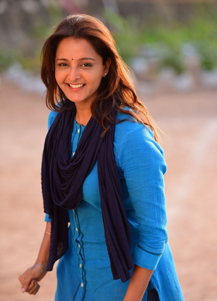 Manju Warrier Sweet Smiling Images