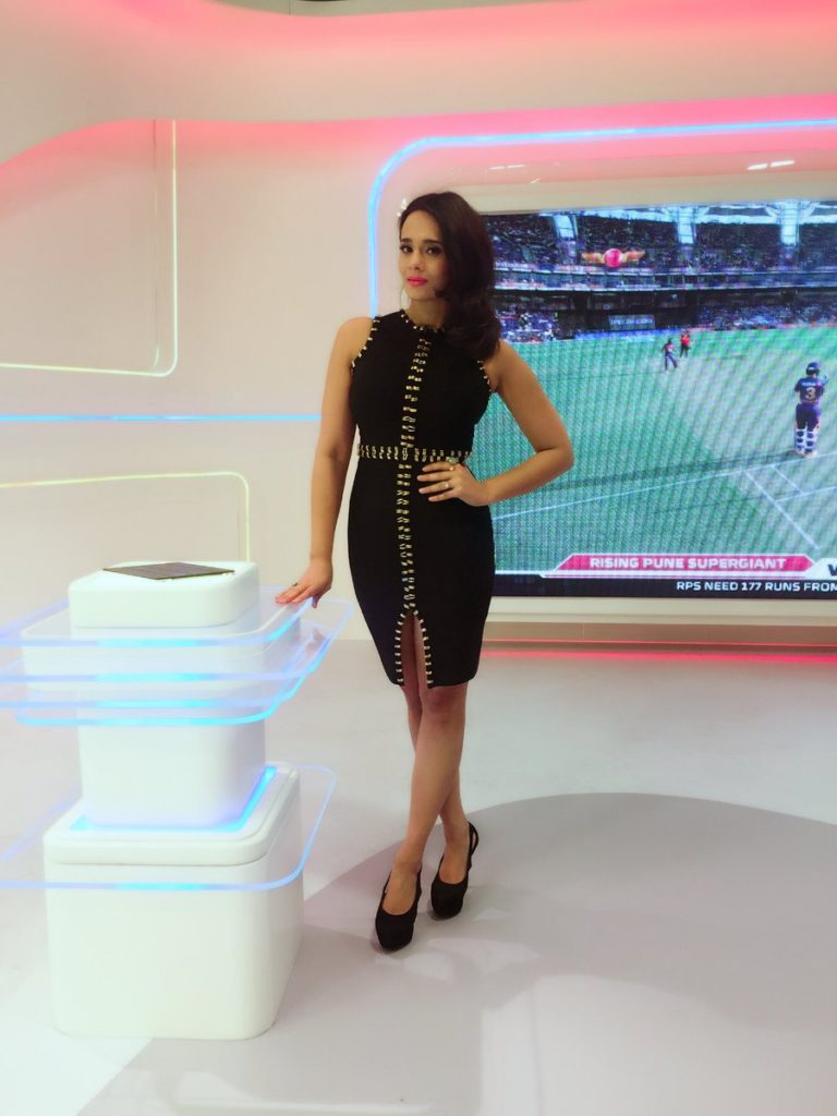 Mayanti Langer Hot & Sexy Legs Images