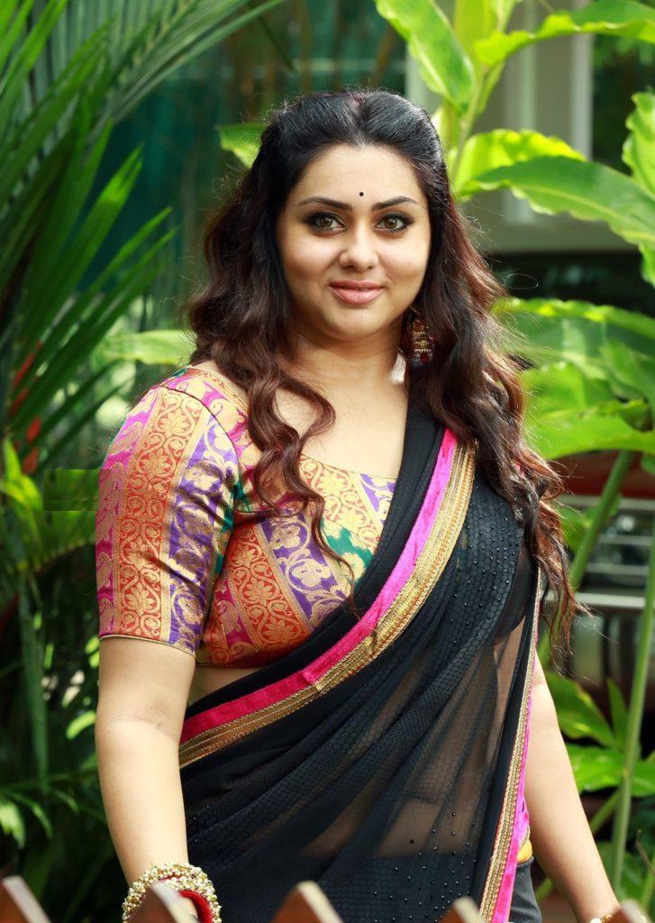 Namitha HD Sexy Pics In Saree