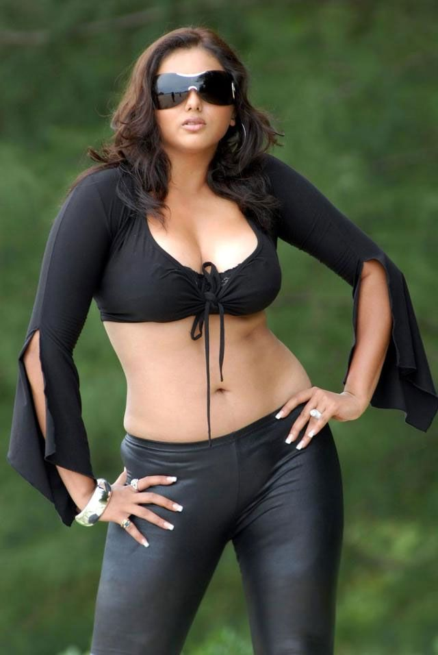 Namitha Hot Spicy Navel Pics In Bra Jeans