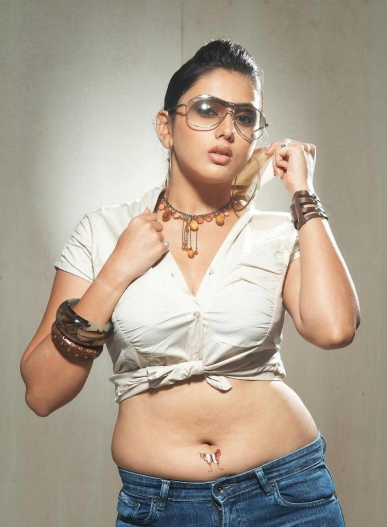 Namitha Hot & Spicy Navel Pics In Short Clothes