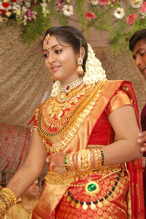 Navya Nair Cute Pictures In Saree
