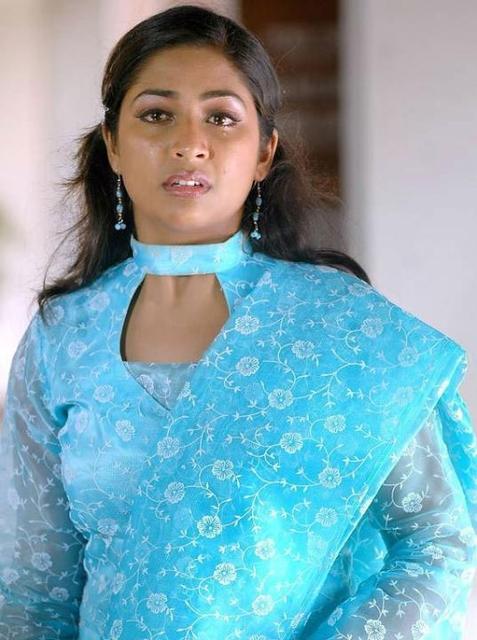 Navya Nair HD Sexy Pics