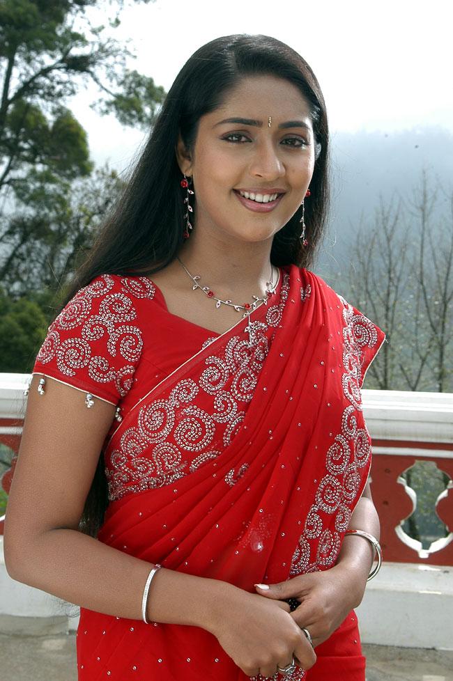 Navya Nair Hot Images In Saree