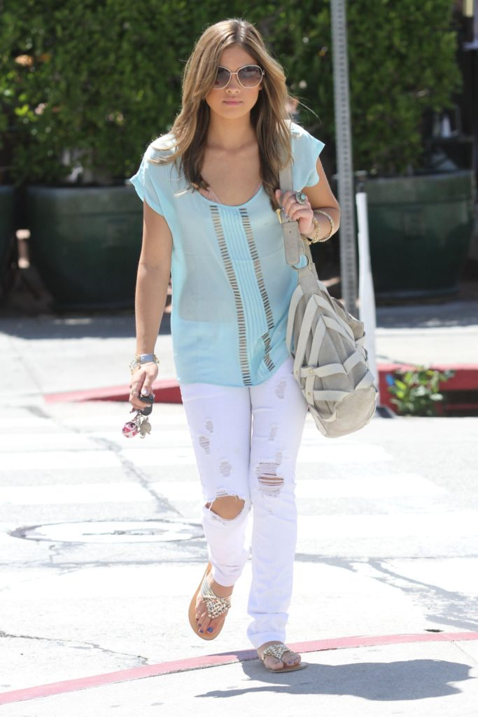 Nicole Gale Anderson Spicy Images