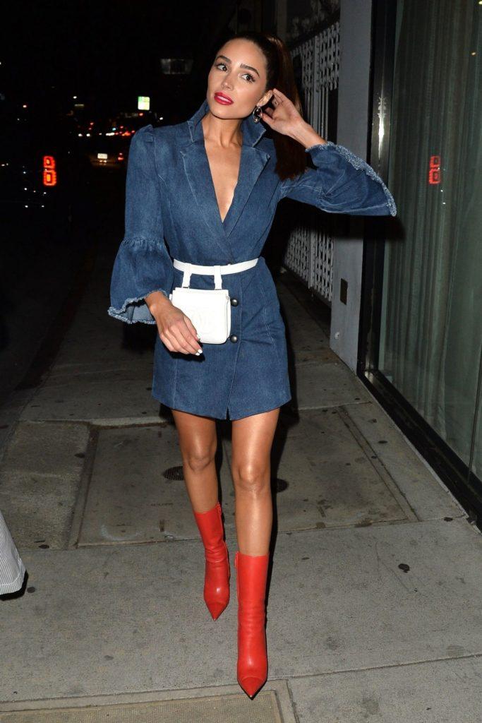 Olivia Culpo Pics In Shorts