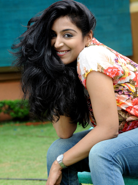 Padmapriya Hot Pictures in Jeans Top