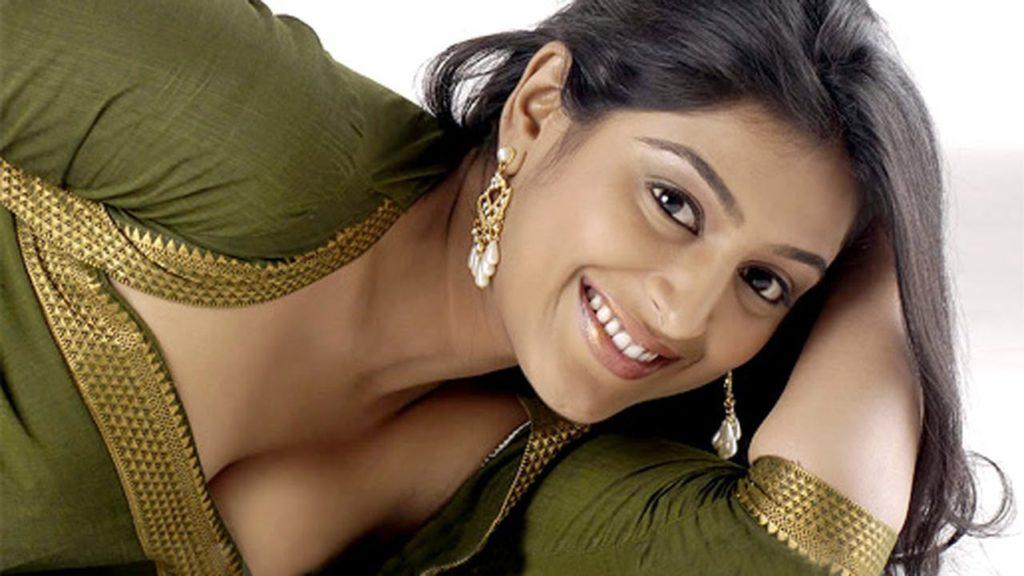 Padmapriya Hot Wallpapers HD