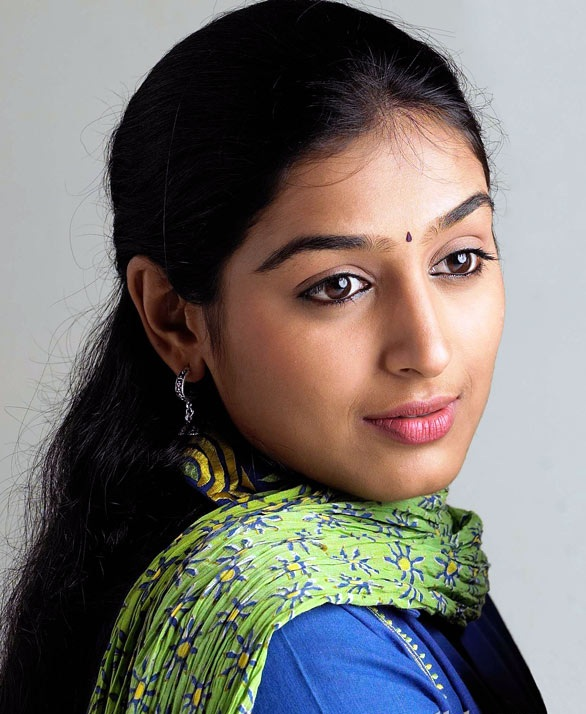 Padmapriya New Hair Style Images