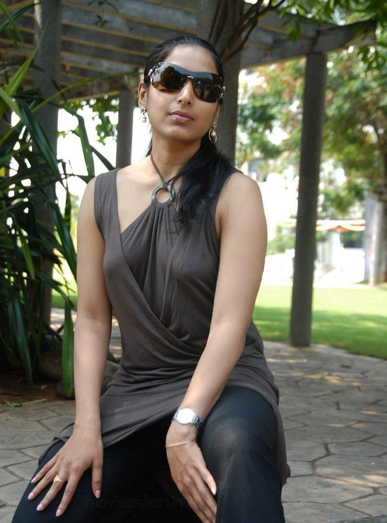 Padmapriya Pics