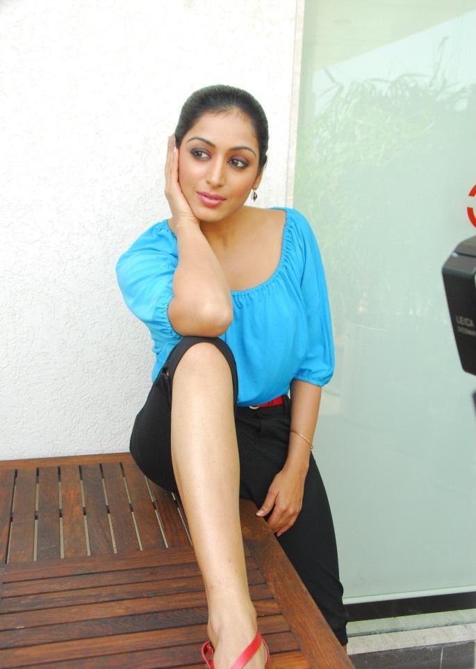Padmapriya Unseen Sexy Pics