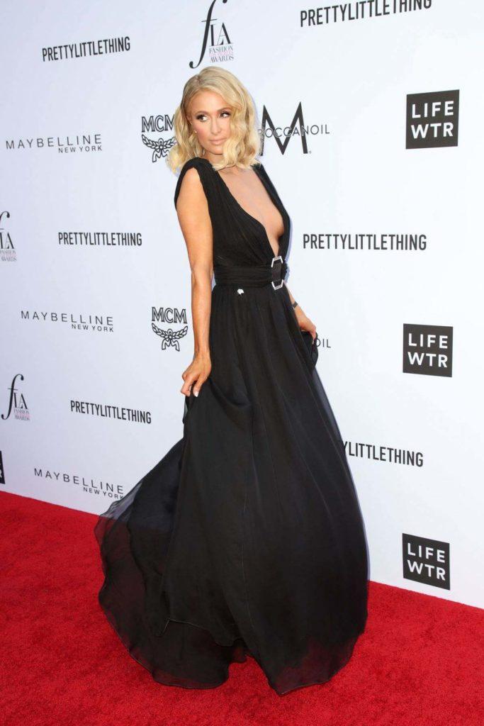 Paris Hilton Photoshoots For Profile Pics